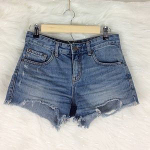 BDG | Freja raw hem shorts